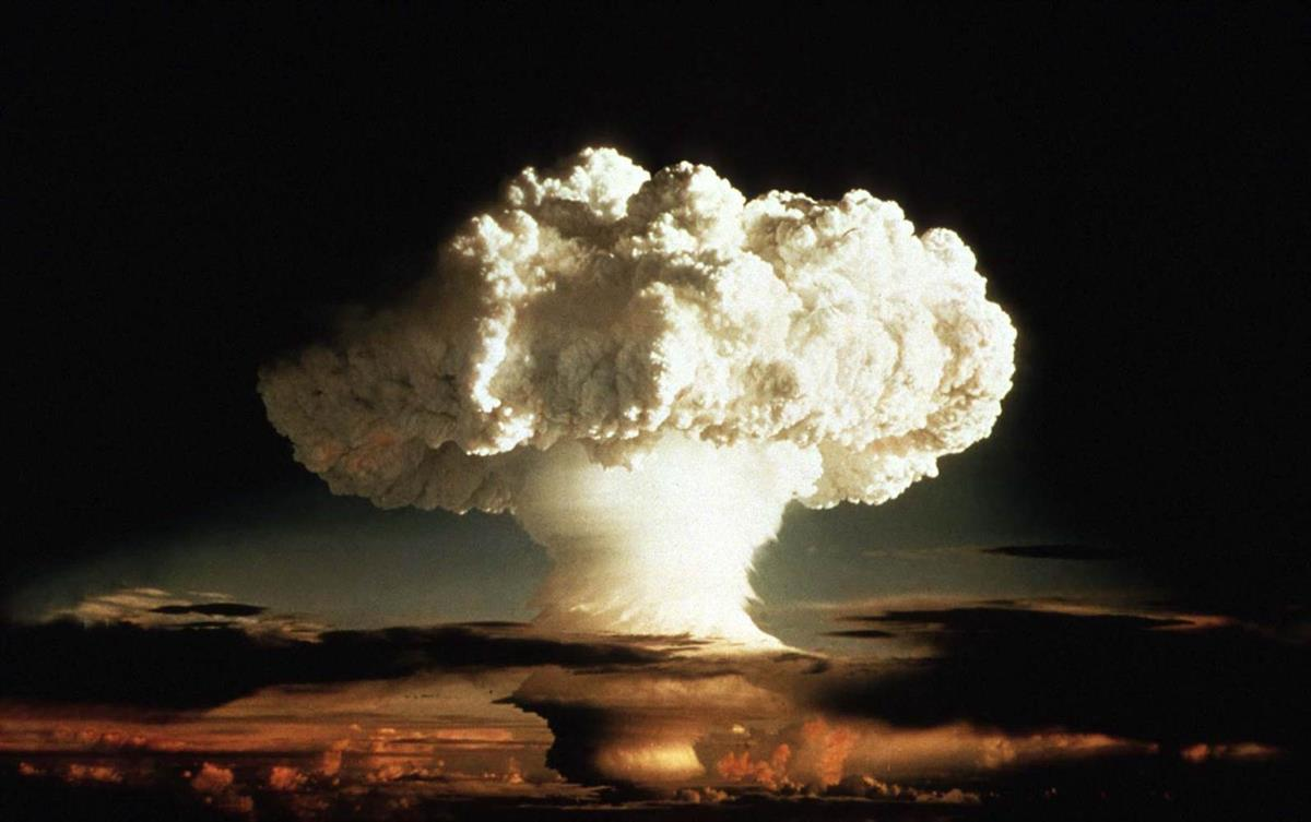 The first thermonuclear device, codenamed Ivy Mike, creates a mushroom cloud in the Enewatak Atoll on November 1st,1952