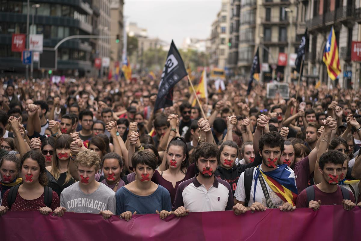 Independence supporters march during a demonstration in downtown Barcelona, Spain, Monday, Oct. 2, 2017—(AP Photo/Felipe Dana)